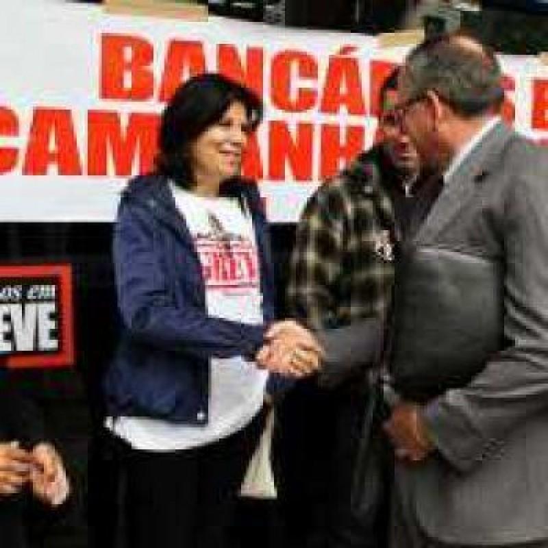 [Sindicalismo governista entrega a greve na Caixa Federal, mas greve continua no BB e Banrisul!]